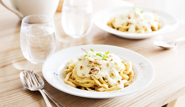 Keto pasta recipe with blue cheese sauce