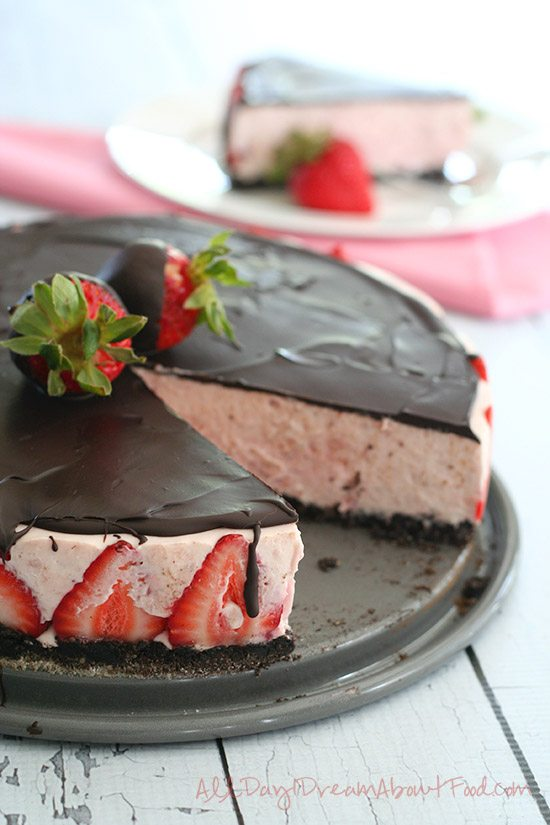 Chocolate Covered Strawberry No Bake Cheesecake
