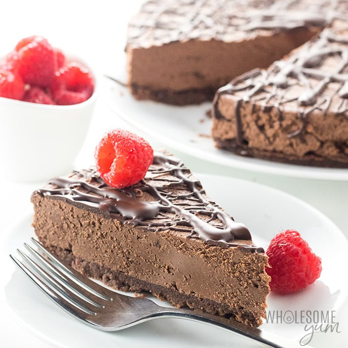 Low Carb No Bake Chocolate Cheesecake