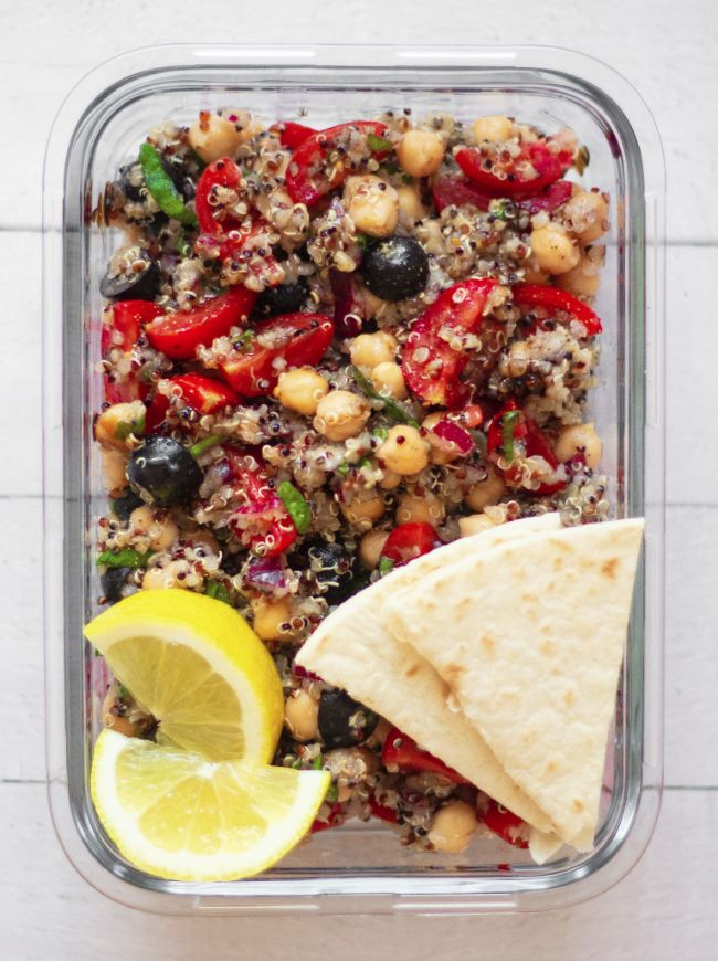 Mediterranean Quinoa Salad with Chickpeas