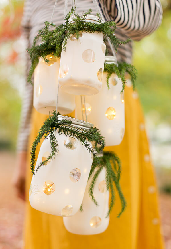 Hanging Holiday Lanterns