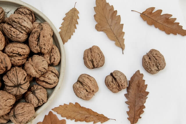 Walnuts foods for clearer skin