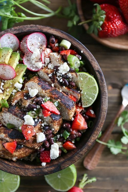 Grilled Chicken With Strawberry Black Bean Salsa