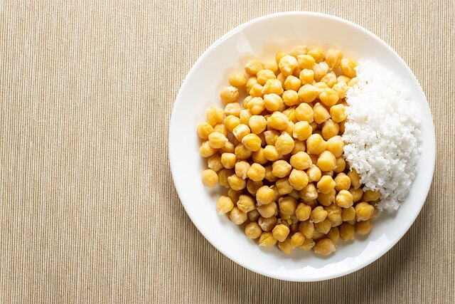 Chickpeas plant-based protein