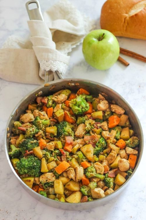 One Pan Chicken and Apples